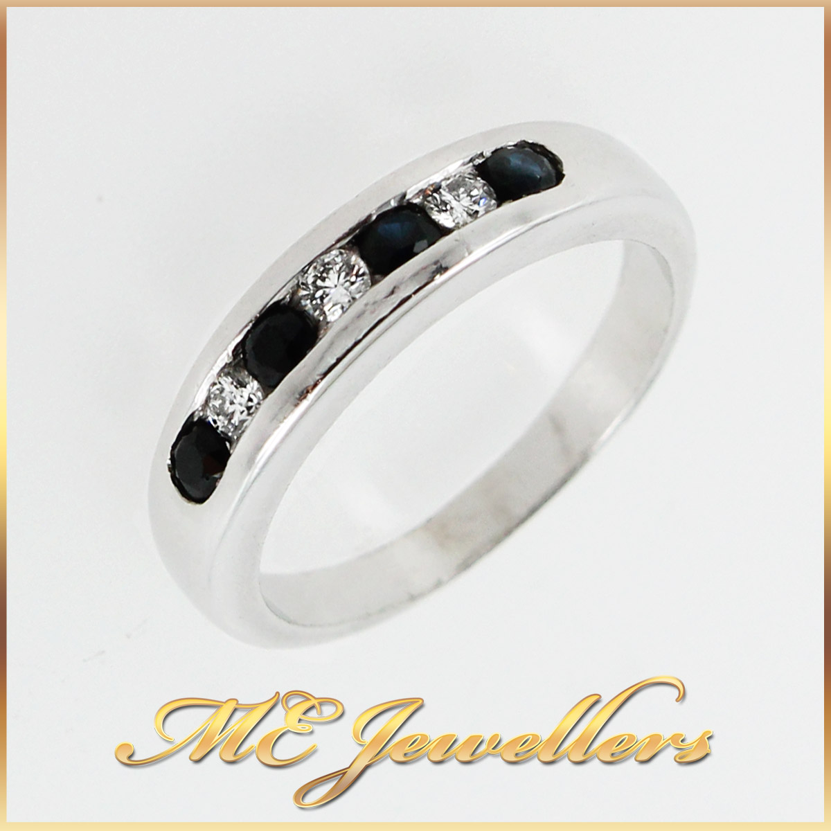 2426_Onyx ring with diamond in 9k white gold 7
