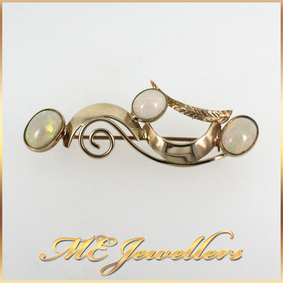 6114 Opal Brooch in 9K yellow gold main
