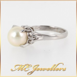 Pearl Dress Ring With Diamond In Platinum