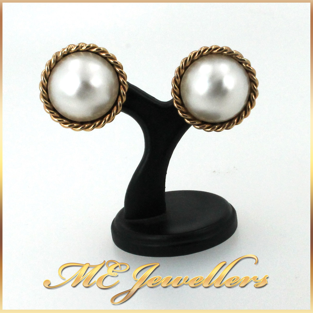 3074 Pearl Stud Earrings 1