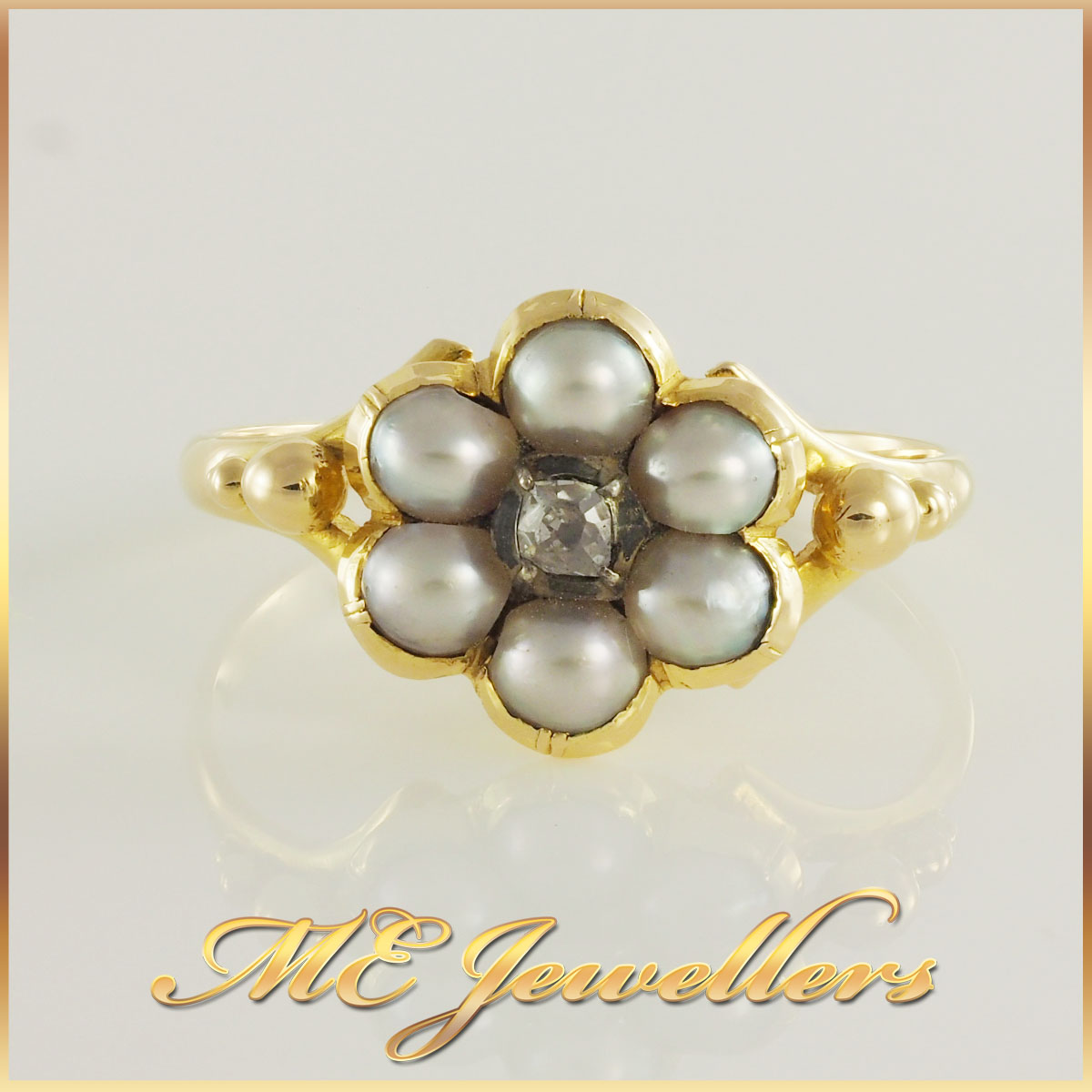 Pearl Flower Shape Diamond Ring