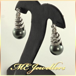 Tahitian pearl earrings With Diamonds In 18K White Gold
