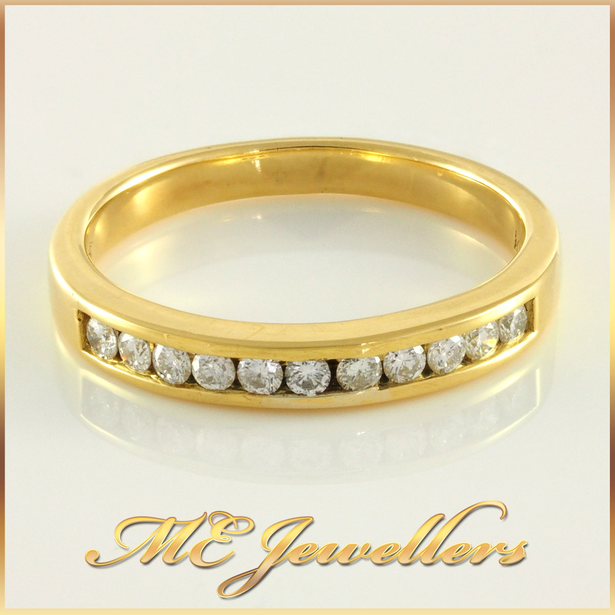 Ladies 18k Yellow Gold Diamond Wedding Band