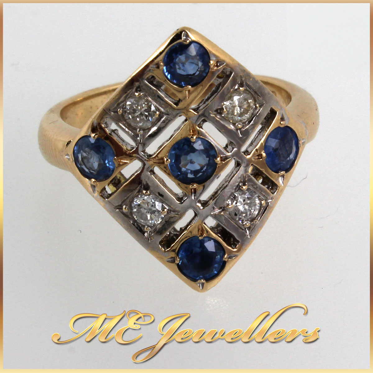 9K Yellow Gold Ring With Diamonds x Blue Sapphire