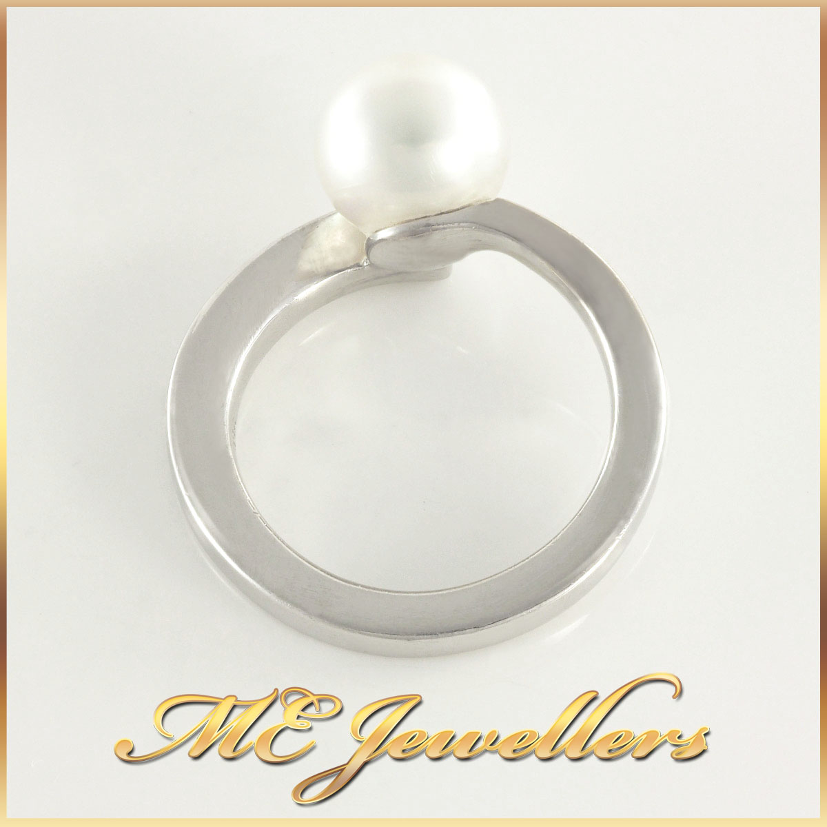 18k White Gold Pearl Ring