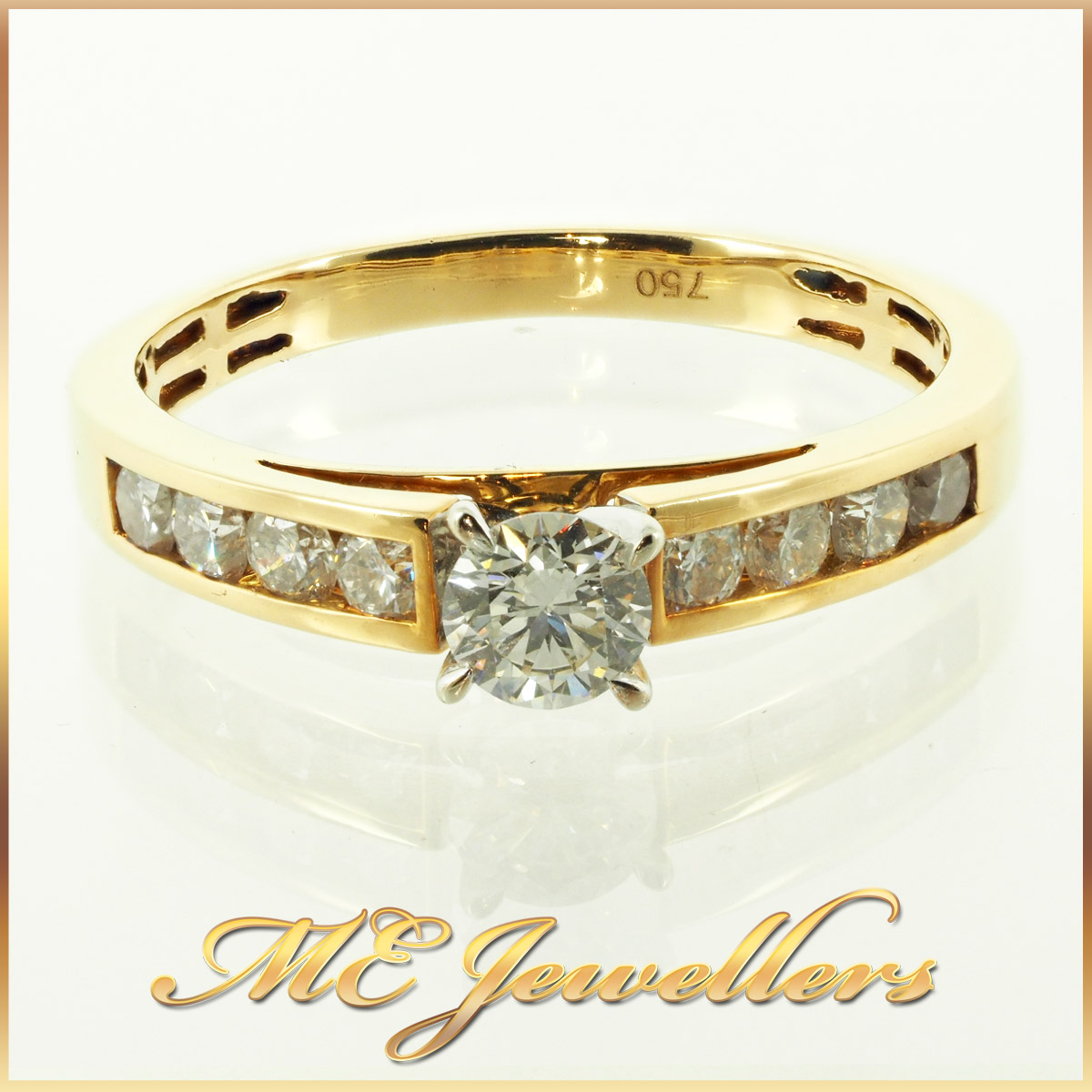 3069 Round cut diamond ring with accents 18K yellow gold 1