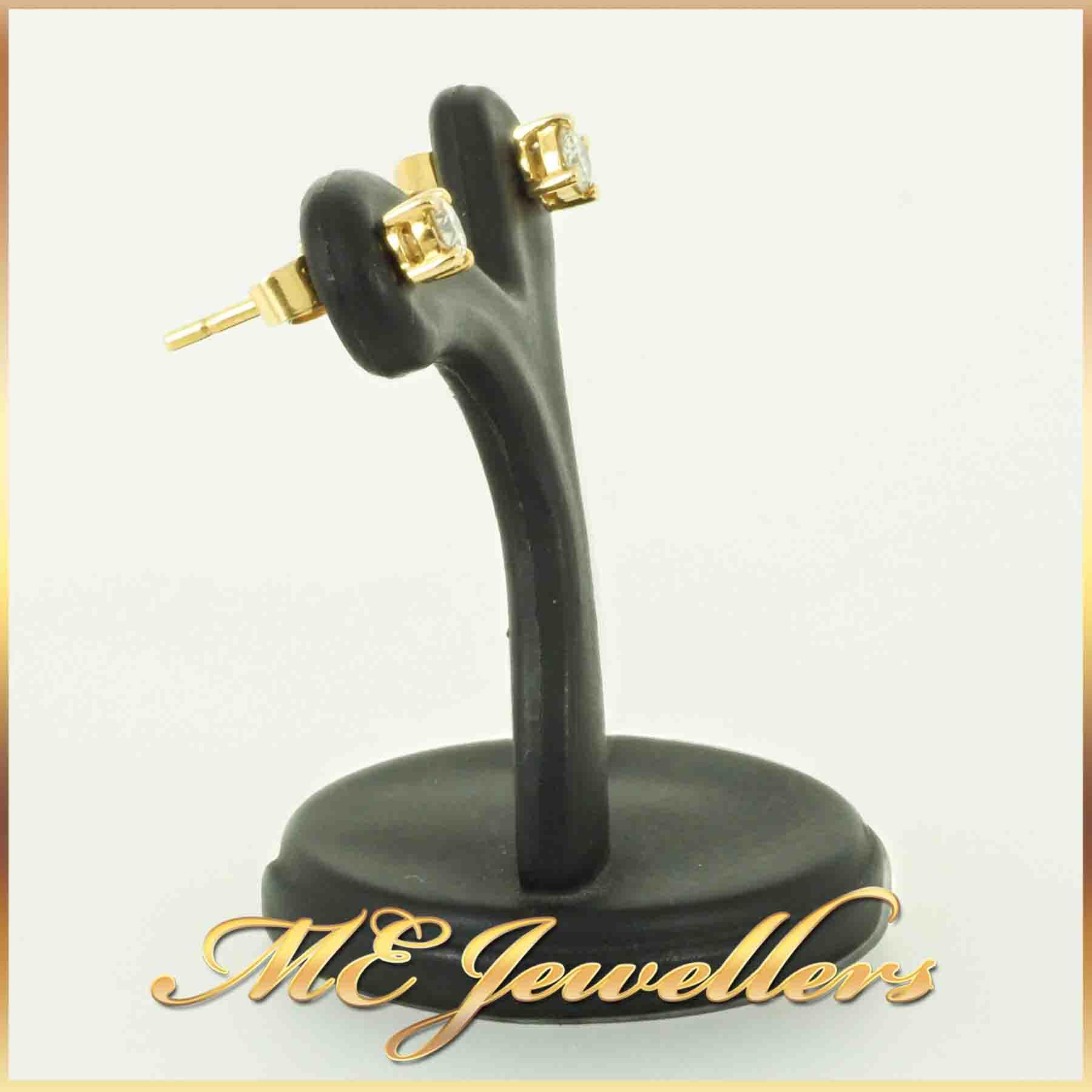 5308-18k-gold-diamond-stud-earrings-2