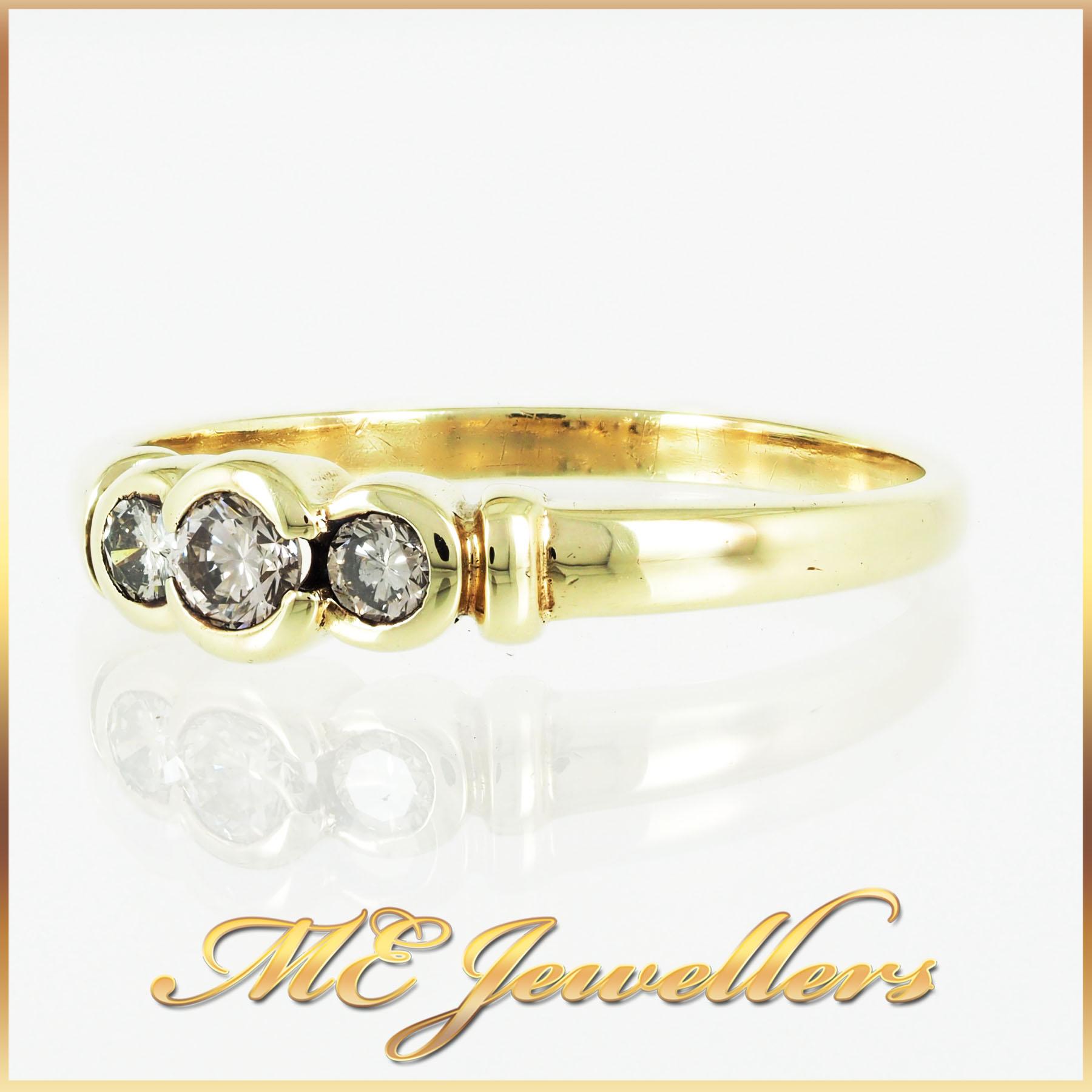 313 Trilogy Diamond Ring 9K Yellow Gold (4)