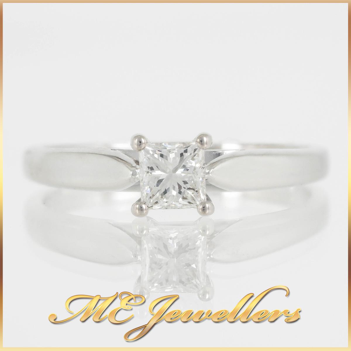 18K Pincess Cut Solitare Diamond Ring
