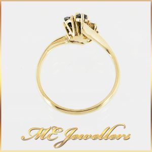 18k Vintage Cluster Sapphire Ring