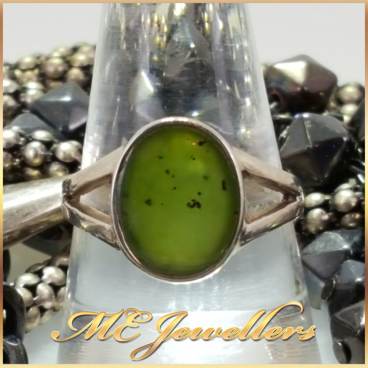 925 Sterling Silver New Zealand Green Gemstone Ring