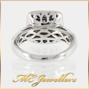 18k Halo Cluster Diamond Ring