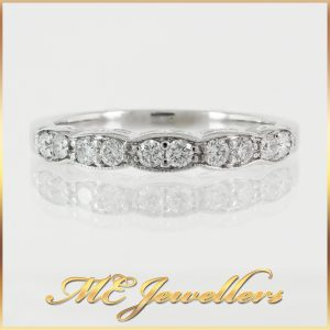 10K Patterned Channel Set Diamond Wedding Band