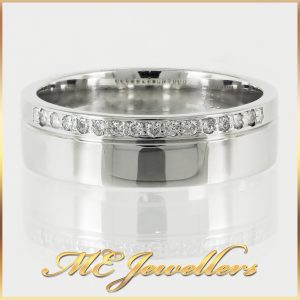 Wide 18K White Gold Ladies Diamond Ring