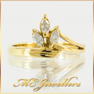 18K Leafy Yellow Gold Diamond Crown Dress Ring