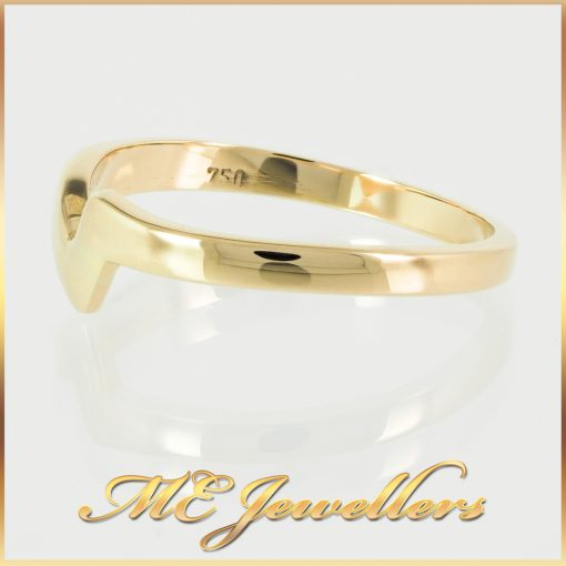 18K V-Shaped Yellow Gold Ring