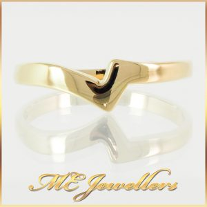 18K V-Shaped Ladies Yellow Gold Wedding Ring