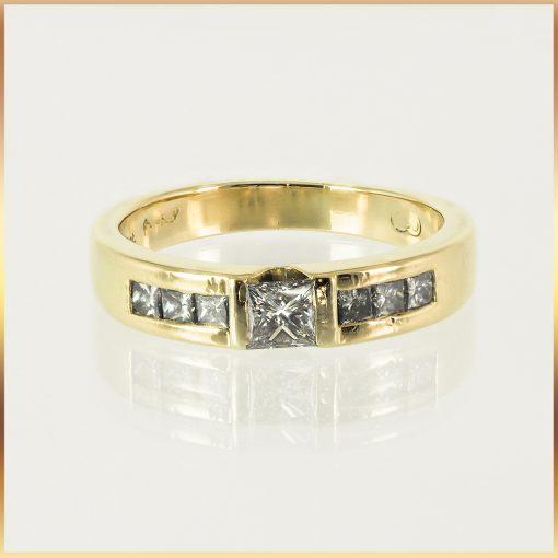18k Princess Cut Diamond Engagement Ring