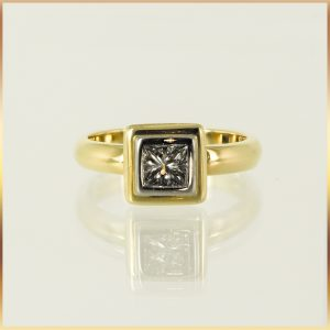 18k Gold Square Diamond Engagement Ring