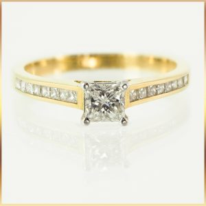 Princess Cut 18k Engagement Ring