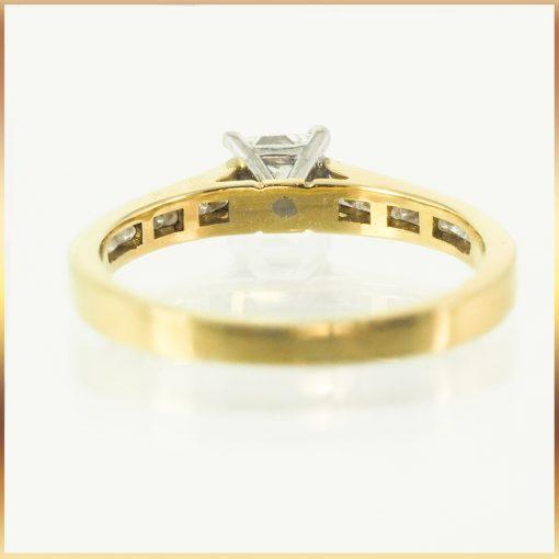 Princess Cut 18k Engagement Ring