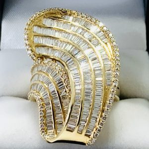 14K Gold wave design dress ring with diamond cluster