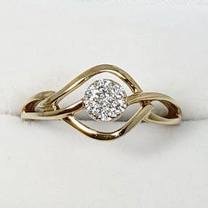 Beautifully Intricate Diamond Ring