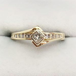 Striking princess cut diamond ring