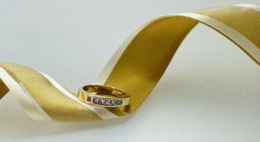 Vibrant Yellow Gold Diamond
