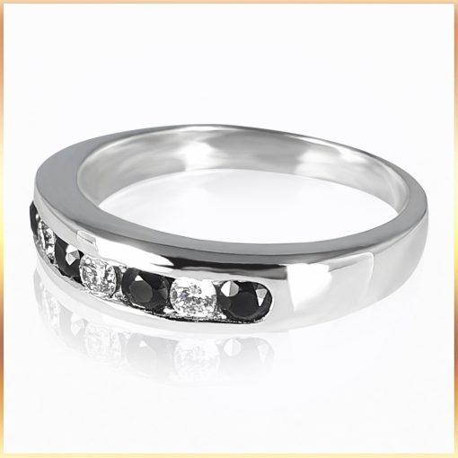 Alternating Onyx Diamond Band