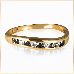 Alternating Stone Fashion Ring